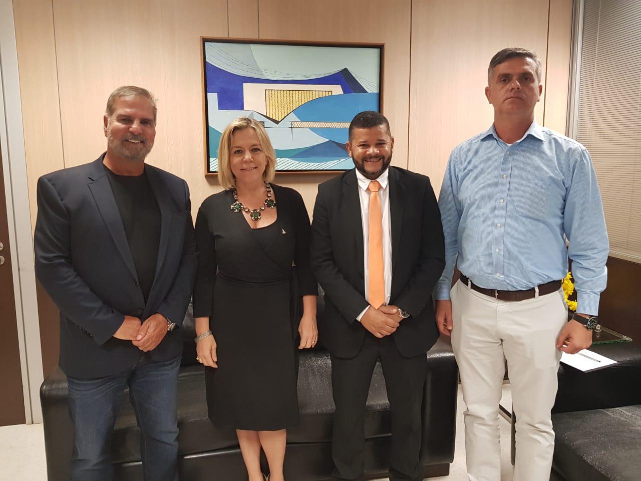 Carlos Alberto de Sá (Presidente Grupo Voetur), Vanessa Mendonça (Secretária de Turismo do Distrito federal), Rodrigo Rabelo (gerente Vip Service Club)