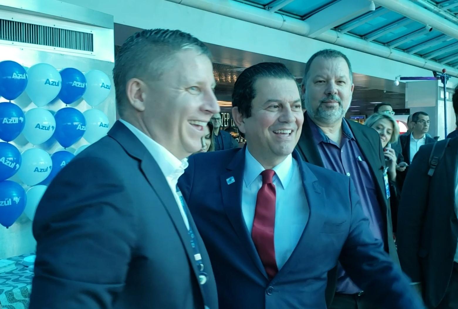 Presidente da Azul,John Rodgerson, e Secretário de Estado de Turismo, Otavio Leite