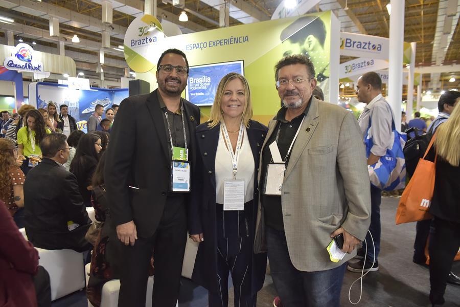 Hugney (ABAV-DF), Vanessa Mendonça (Setur-DF) e Lamarck (Sindetur-DF)