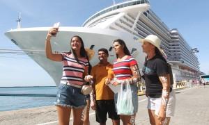 Secretaria de Turismo realiza receptivo para turistas de três navios cruzeiros que chegaram a Salvador. Foto: Camila Souza/GOVBA
