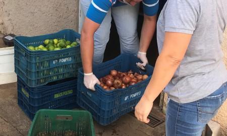 Hot Beach doa alimentos para o Abrigo São José